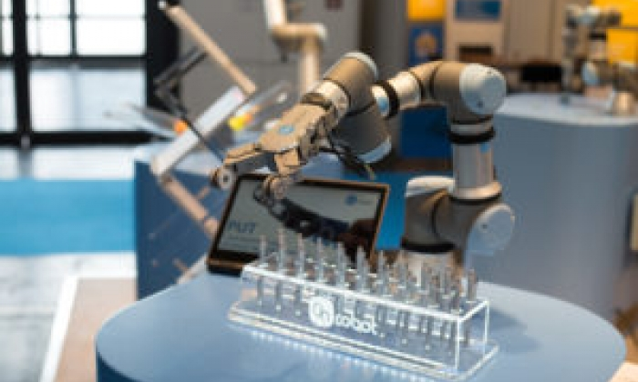 NEW AREAS OF APPLICATION FOR COLLABORATIVE ROBOTICS