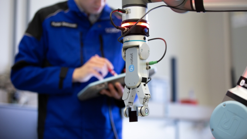 SCHOTT AG automates quality inspection with OnRobot